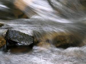 free water over rocks websize